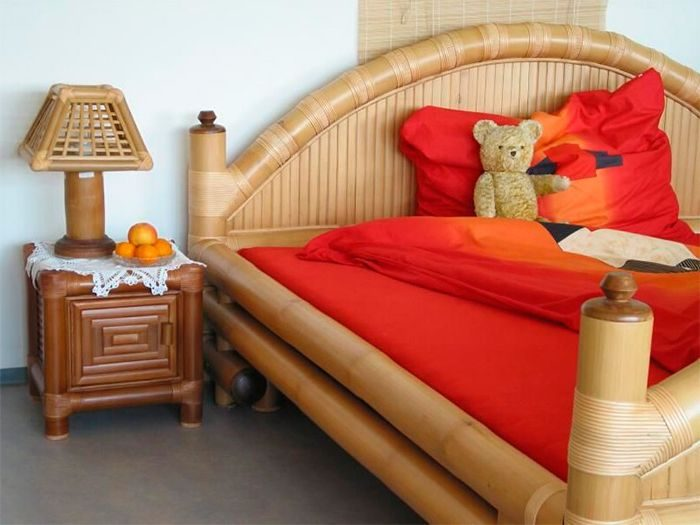 Бамбуковая мебель и светильники исключительно практичны и декоративны