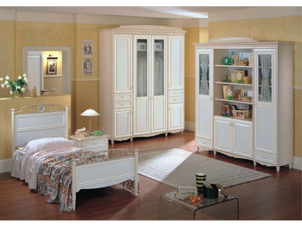 Белые предметы мебели для спальни