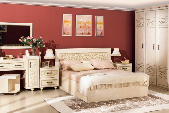 Бежевый спальный гарнитур