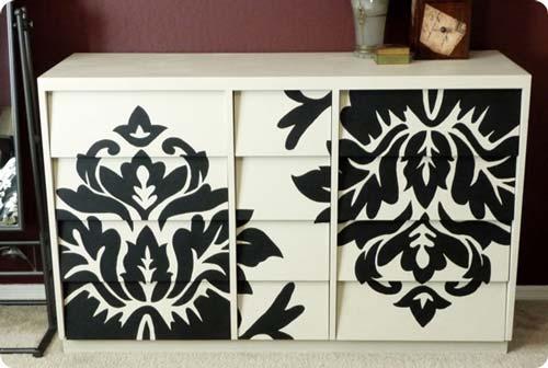 Черно-белое оформление корпусной мебели