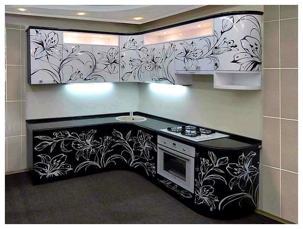Черно-белое оформление кухни