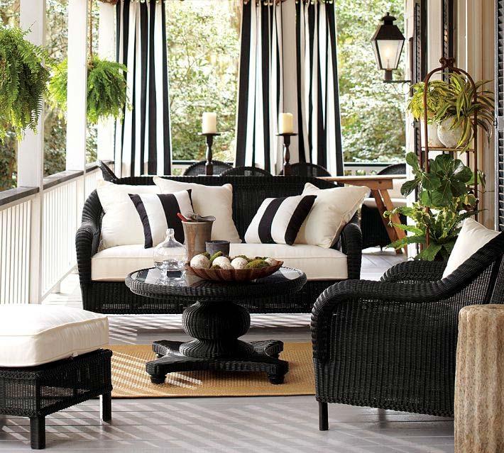Черный комплект уличной мебели
