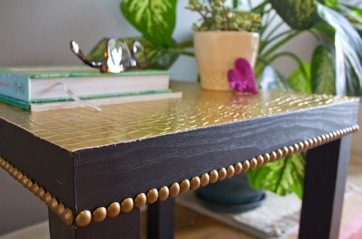 Декорчик столика мебельными гвоздями