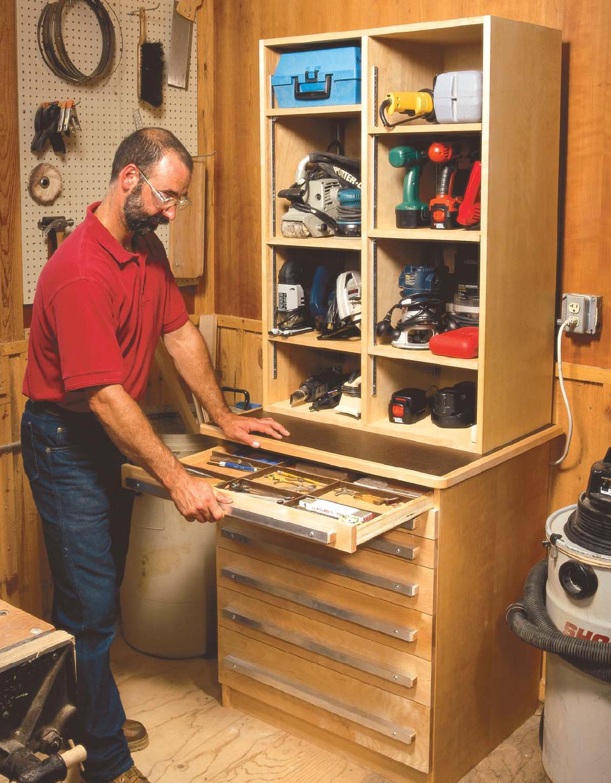 Деревянная конструкция для хранения инструментов