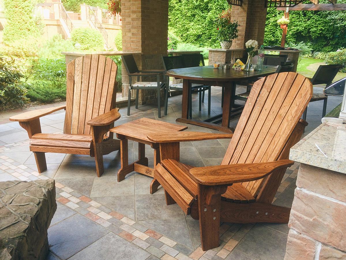Деревянные удобные стулья