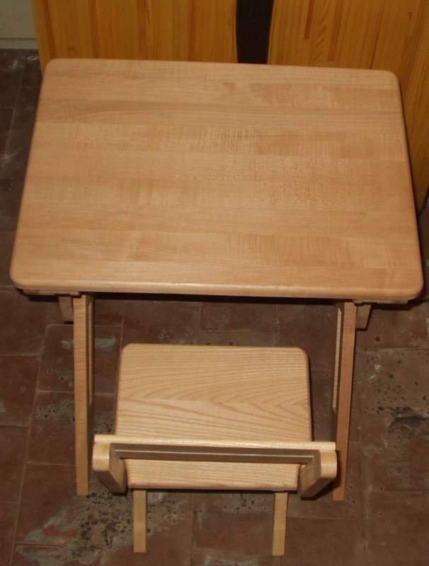 Десткий стул и стол