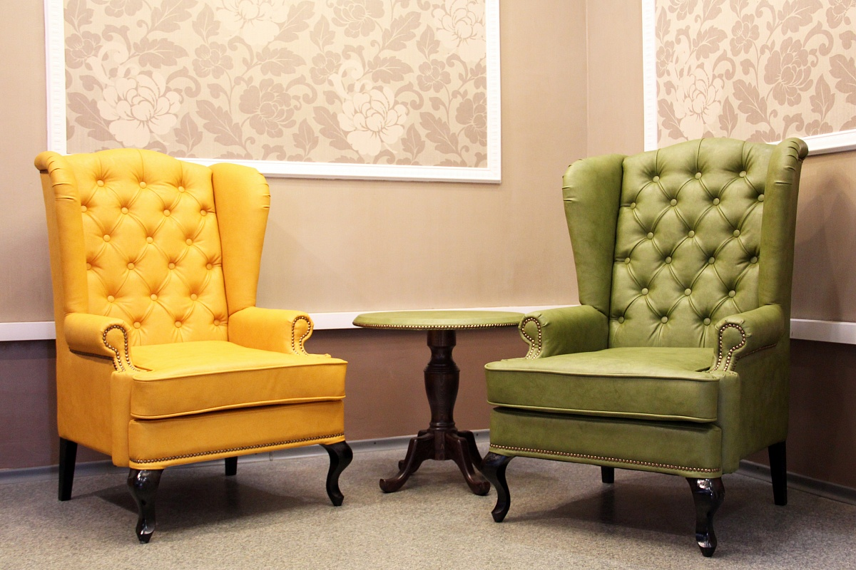 Дизайнерская кожаная мебель в интерьере квартиры