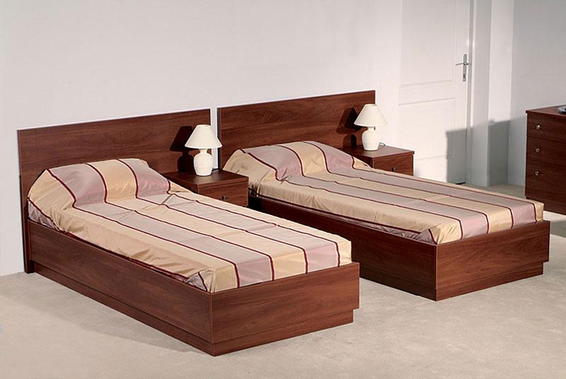 Две практичные кровати