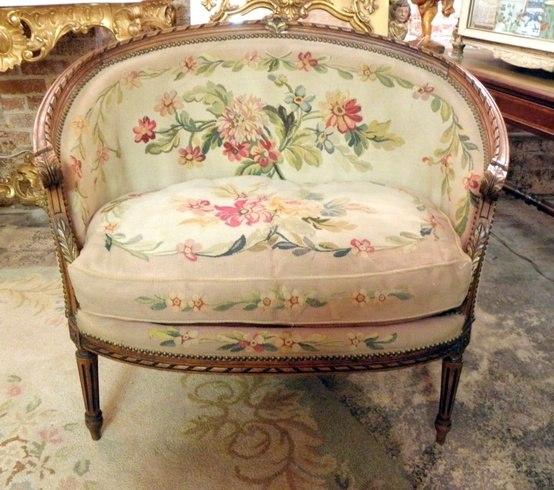 Французская старинная мебель, обитая гобеленом