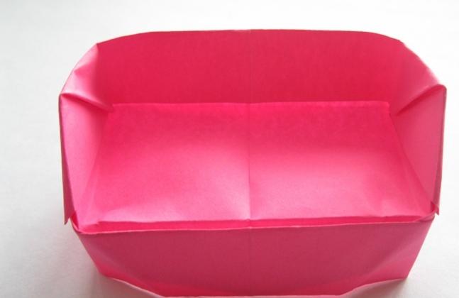 Готовый бумажный диван