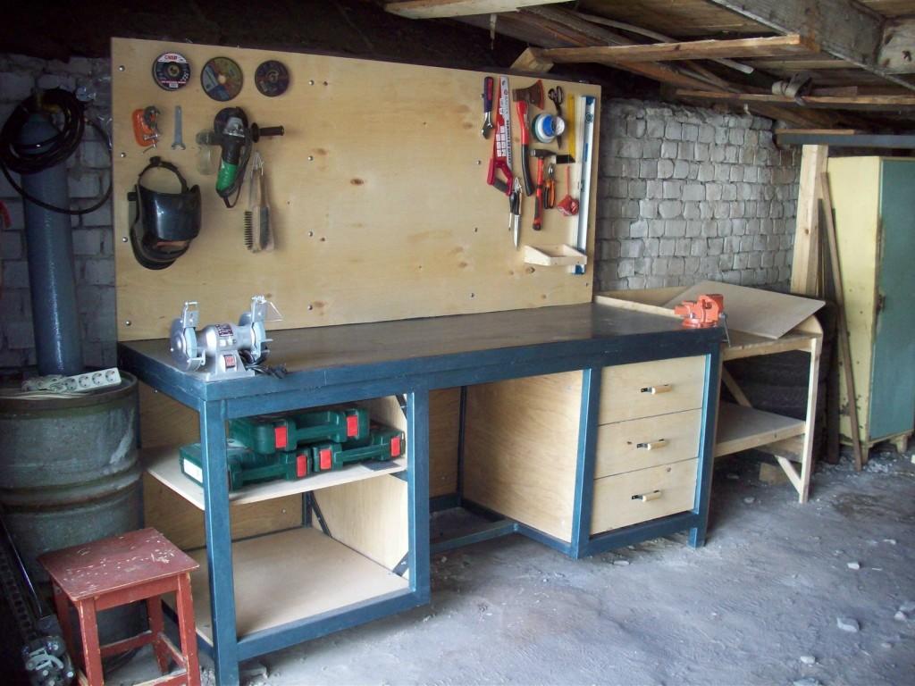 Готовый верстак для гаража