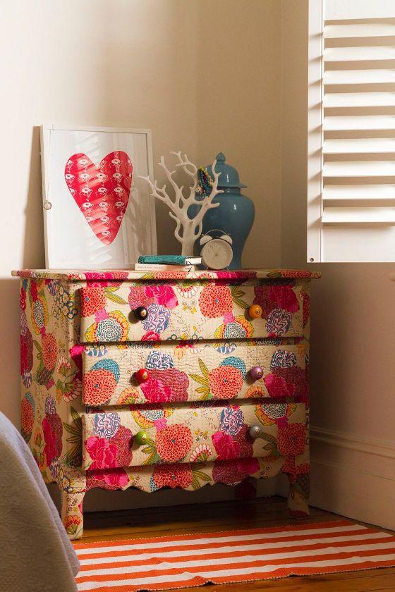 Идеи декора старой мебели новой тканью