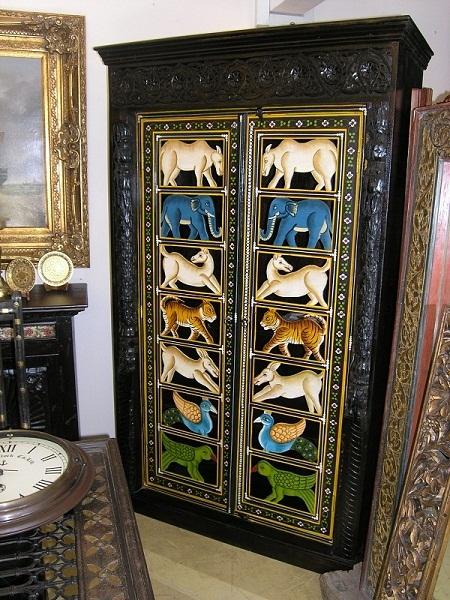 Индийский шкаф