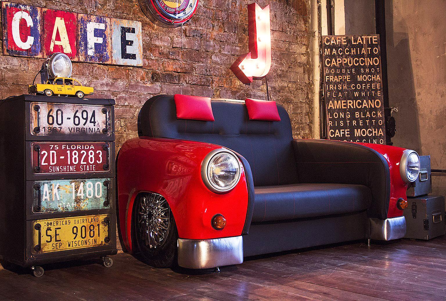 Каким кафе подойдут диваны и столы из автомобиля