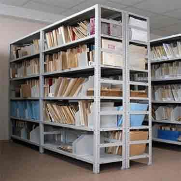 Книжные металлические полки для мебели в библиотеку