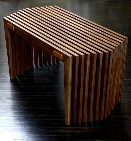 Кофейный столик в оригинальном оформлении