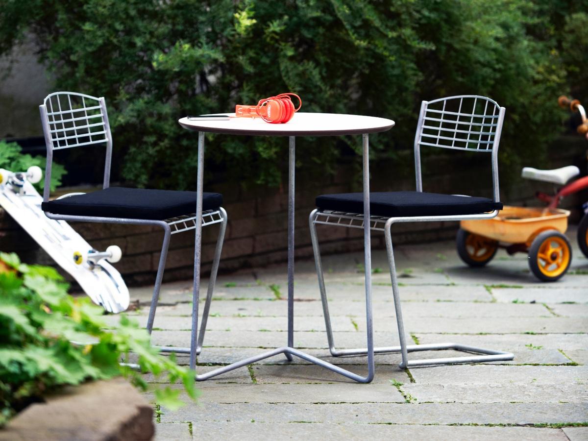 Комплект из круглого стола и 2х стульевв