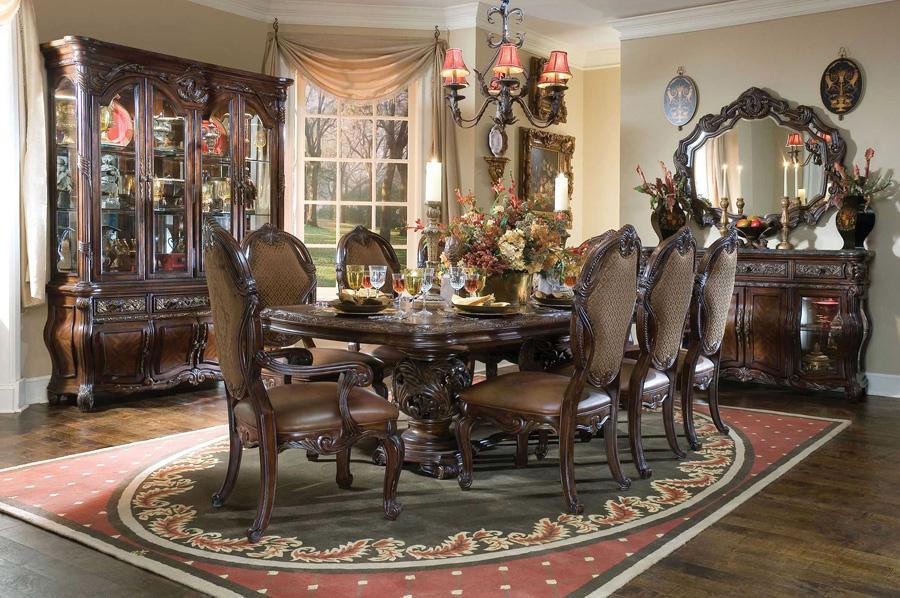 Комплект мебели для столовой темных тонов