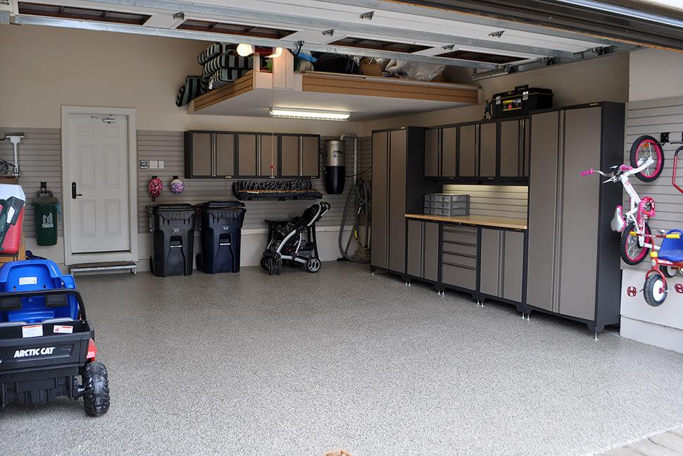 Красивый интерьер гаража