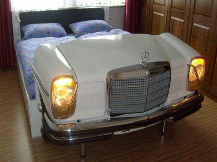Кровать из авто
