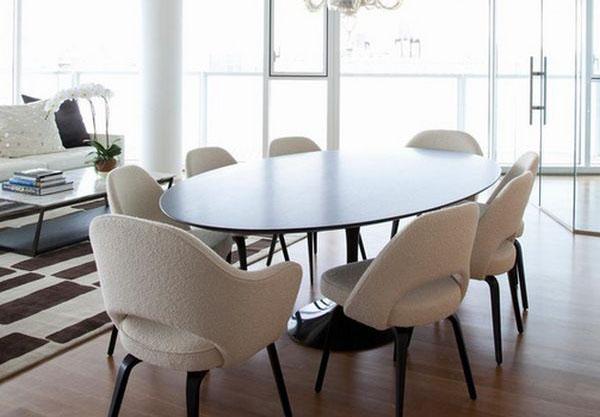 Круглые стулья светлого оттенка