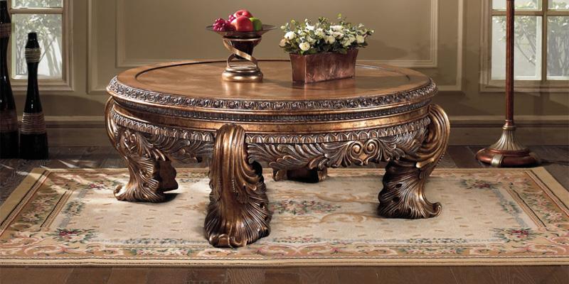 Круглый столик с позолотой