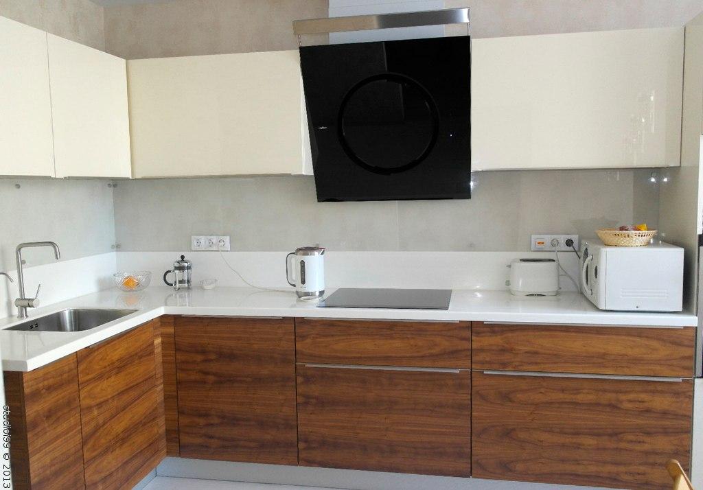 Кухонный гарнитур из шпона