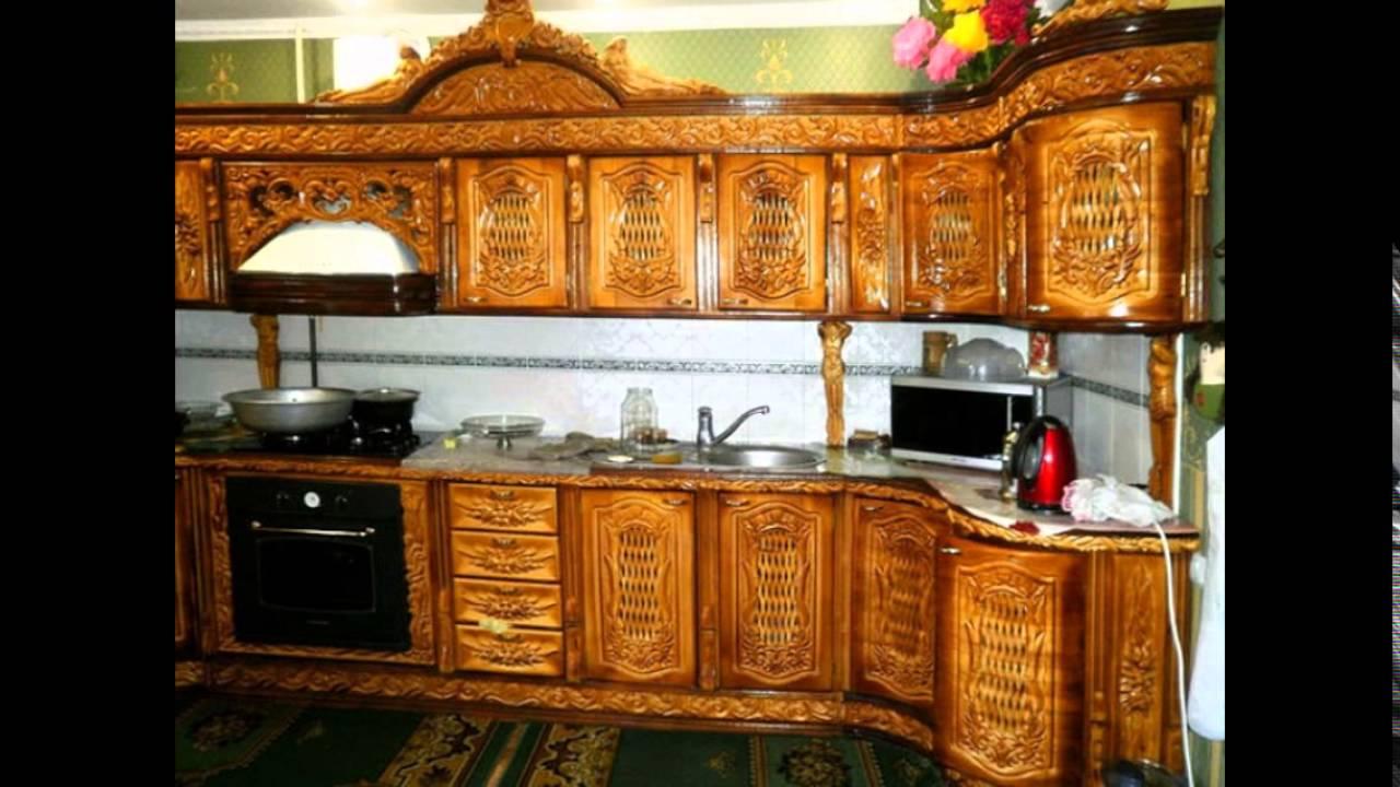 Кухонный гарнитур с оригинальными резными элементами