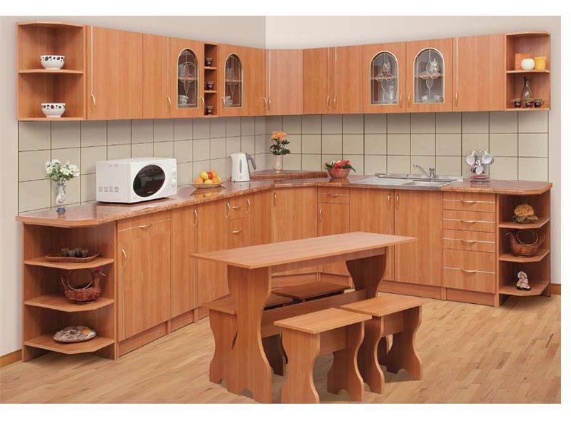 Кухонный гарнитур светлого оттенка