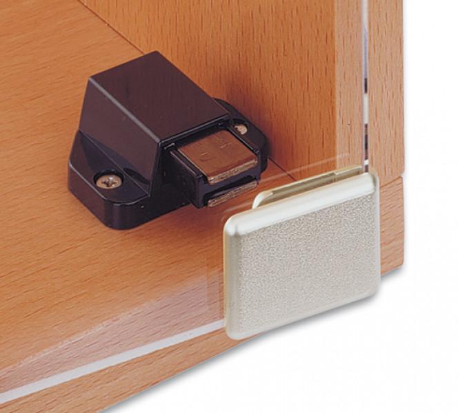 Магнитно-пружинный фиксатор и ручка для стеклянной дверцы