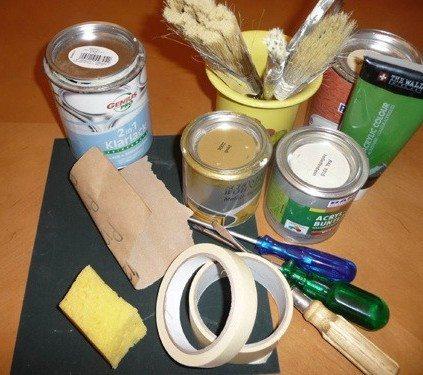 Материалы и инструментарий для окрашивания мебели