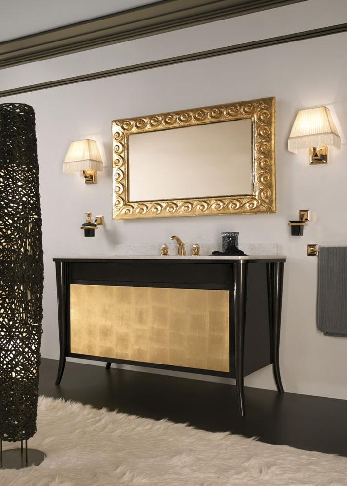 Мебель для ванной с красивым зеркалом