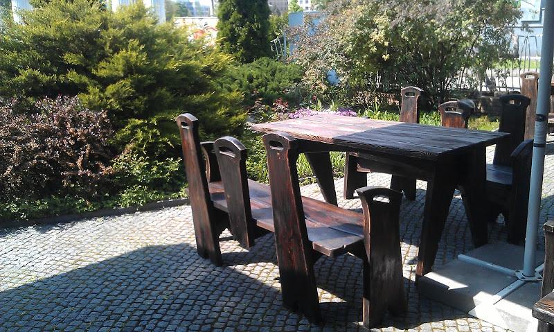 Мебель из натурального дерева брашированная по волокнам и состаренная искусственным способом