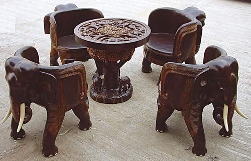 Мебель в индийских домах низкая