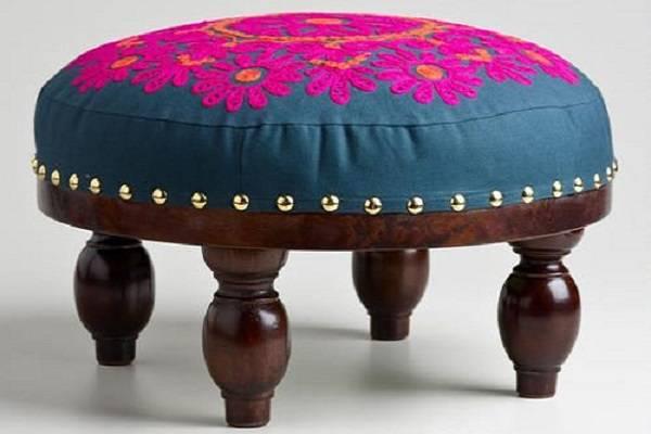 Мебель в восточном стиле - индийская подставка под ноги