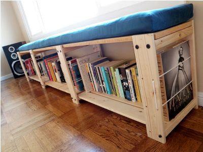 Место для книг в гостиную