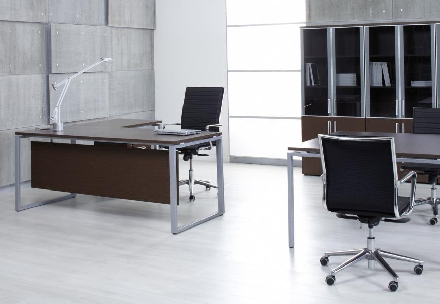 Металлический каркас современной мебели