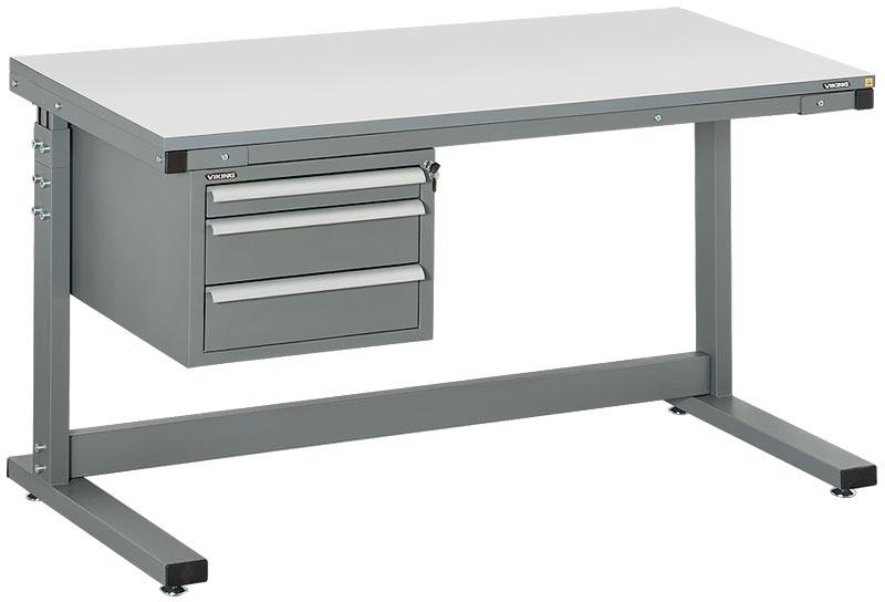 Металлический стол с ящиками