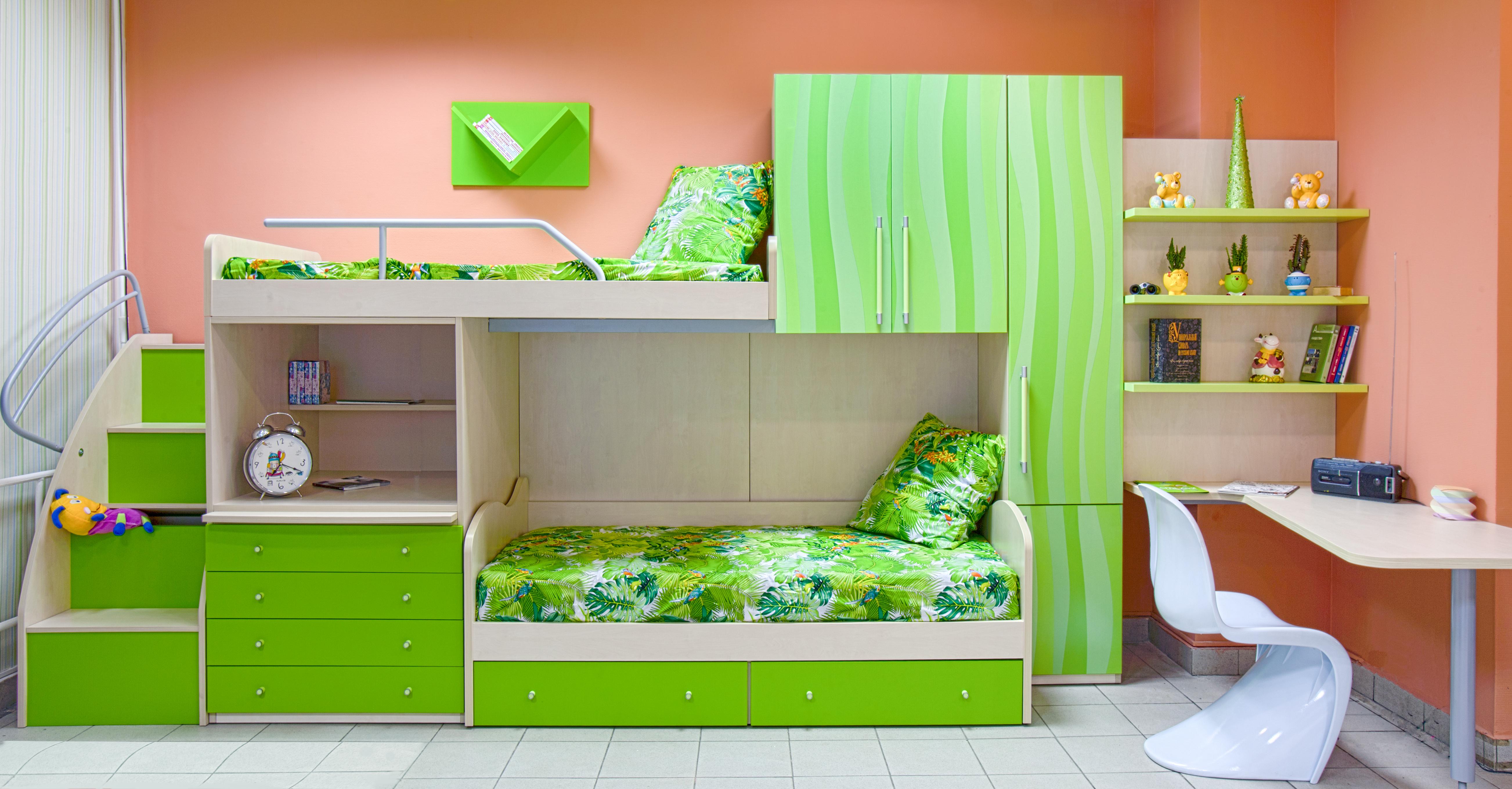 Многофункциональный комплект детской мебели