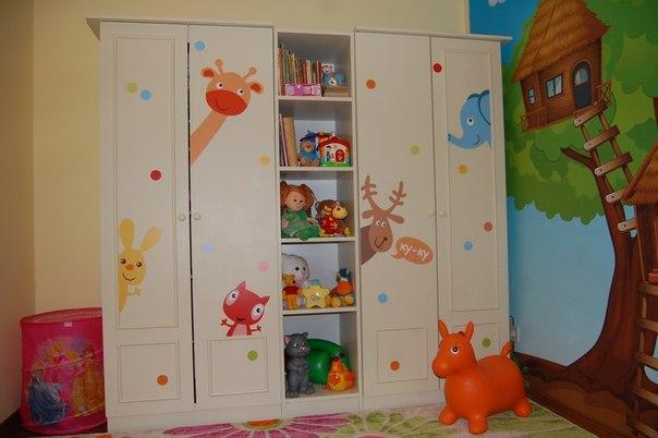 Наклейки на мебель в детской