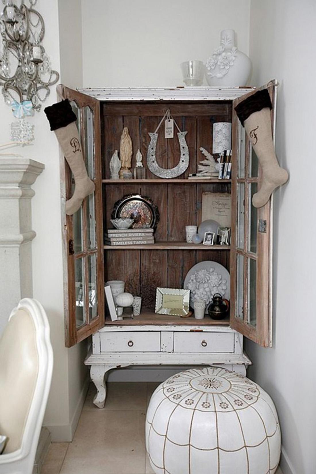 Небольшой шкафчик для дома