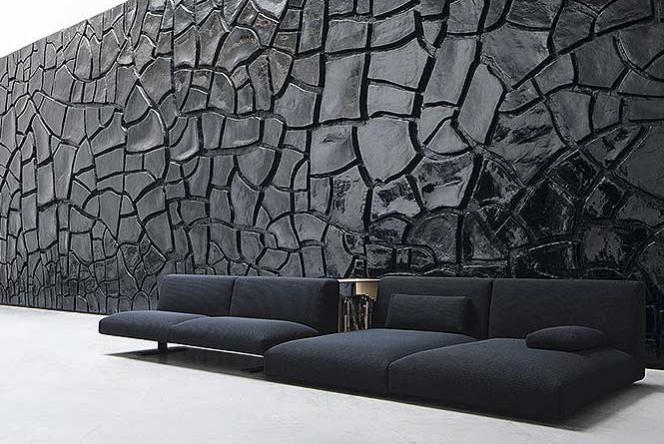 Необычный черный диван