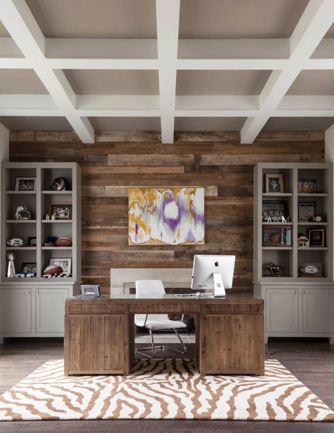 Очень изысканно выглядит мебель из дерева с брашированными элементами
