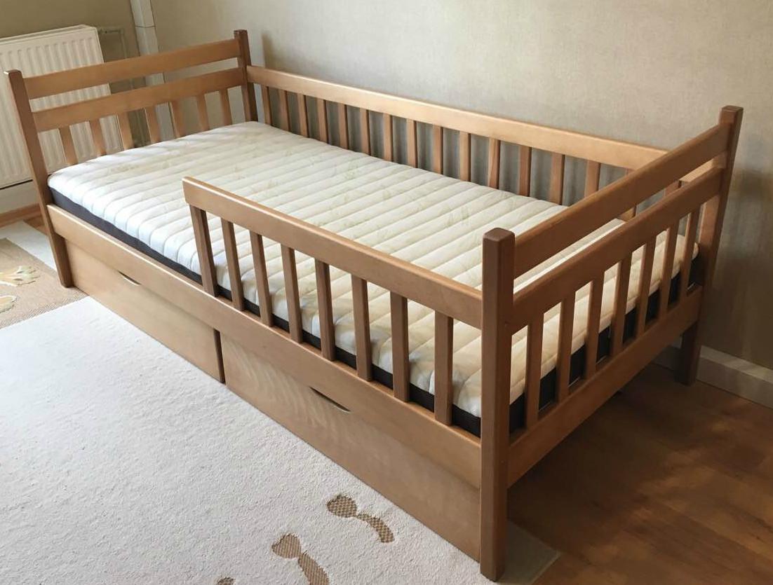 Односпальная качественная кровать