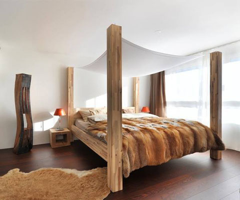 Оригинальная кровать с опорами