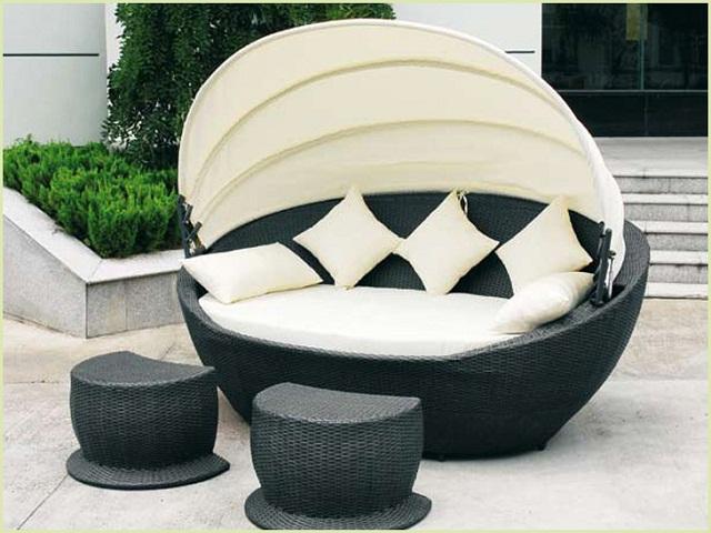 Плетеная мебель с защитой от дождя