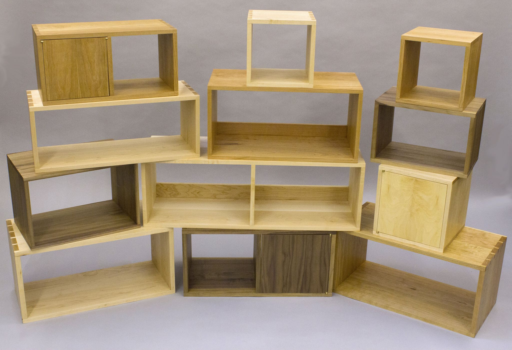 Плюсы мебели из массива березы