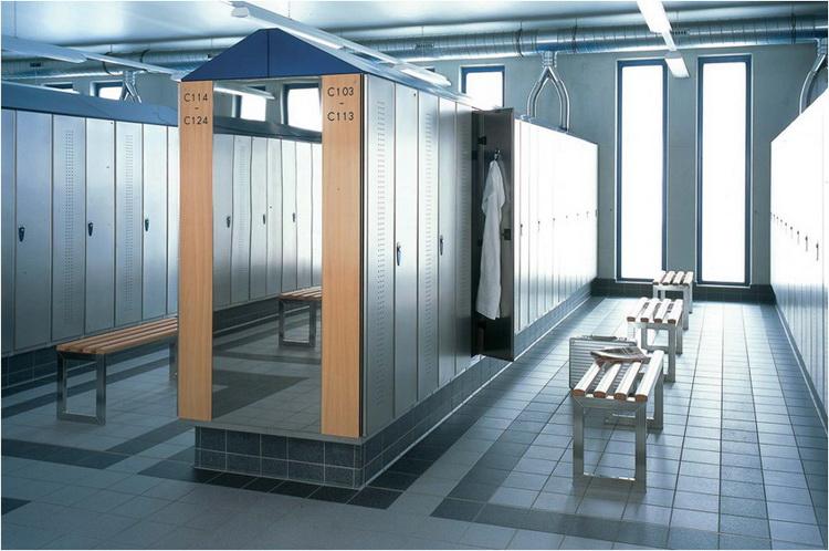 Почему нужны надежные шкафы для раздевалок