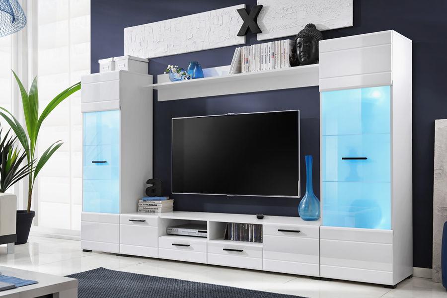 Подсветка белой стенки-мебели