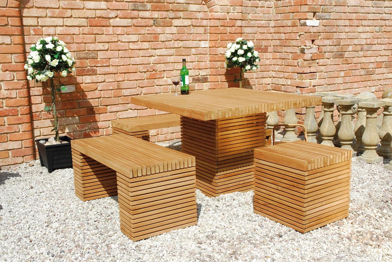 Практичные столики и стулья